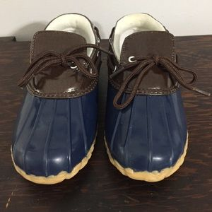 🦆 Duck Shoes Waterproof Navy & Brown Kids Size 4